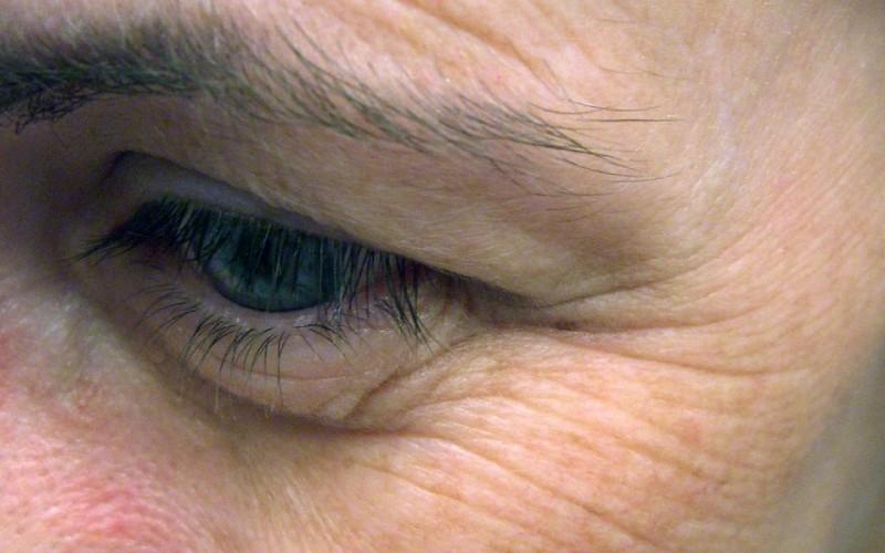 Kremy przeciwzmarszczkowe – jak walczyć ze starzejącą się skórą i ze zmarszczkami?